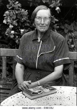 julia-birley-novelist-personality-authors-e6ec6j